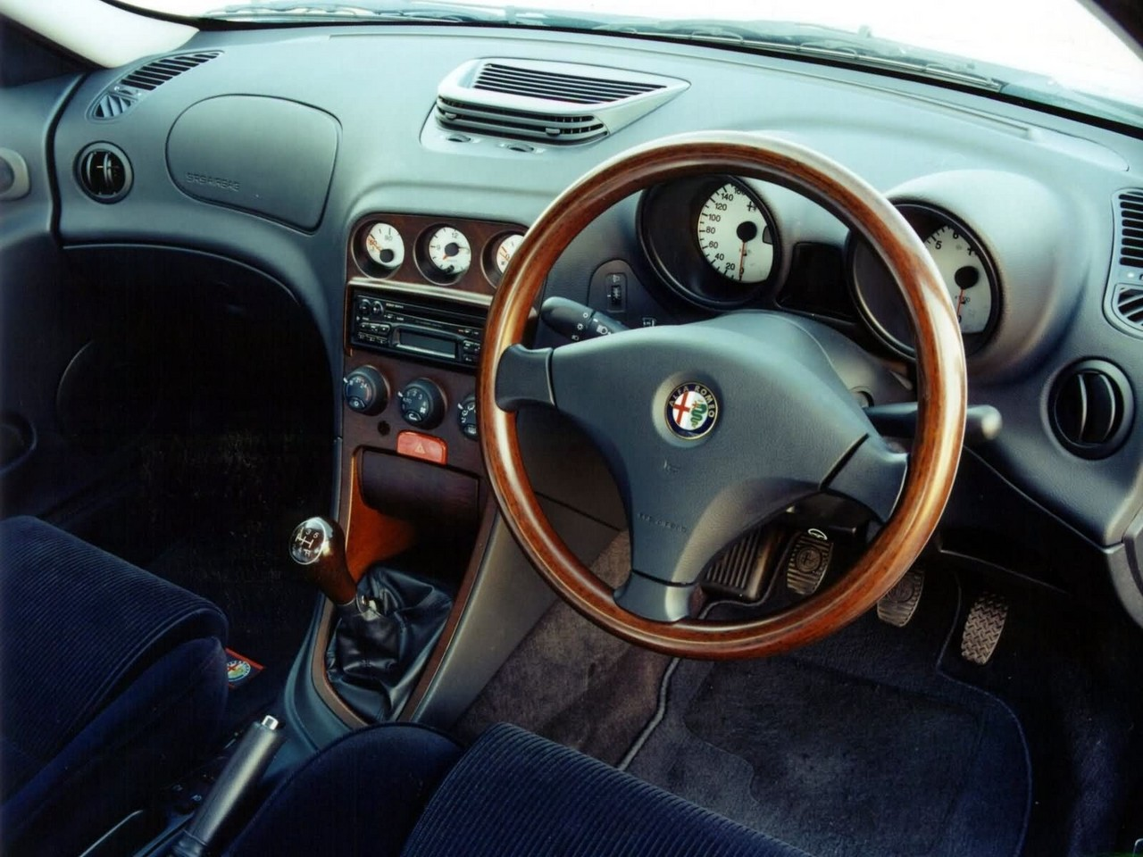 Images: Alfa Romeo 156 sedan (1999-06)