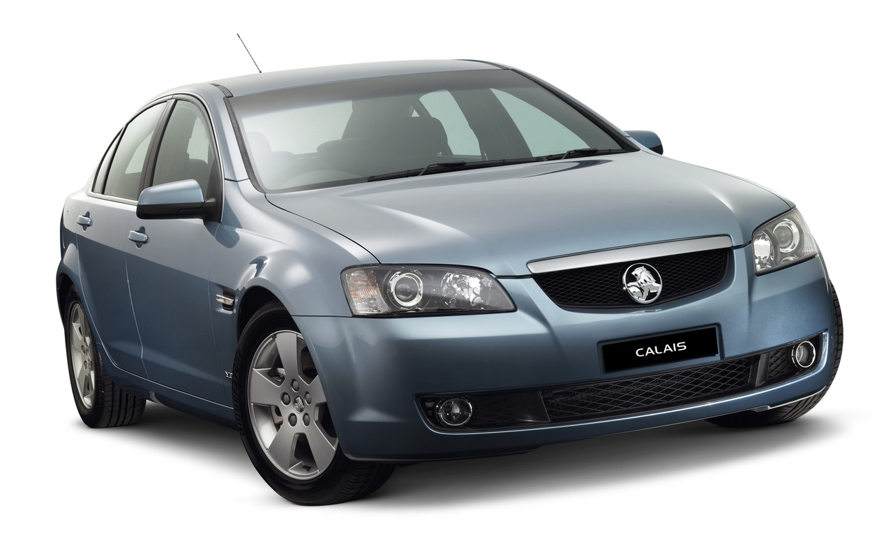 Holden ve calais review 2006 13 v6 and v8 vanachro Choice Image
