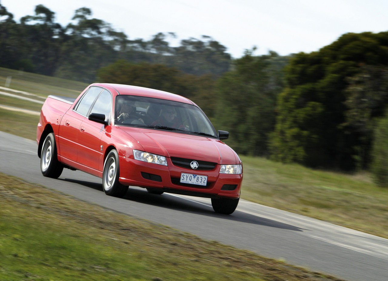 Holden vz crewman review 2004 07 s ss and cross 8 vanachro Gallery