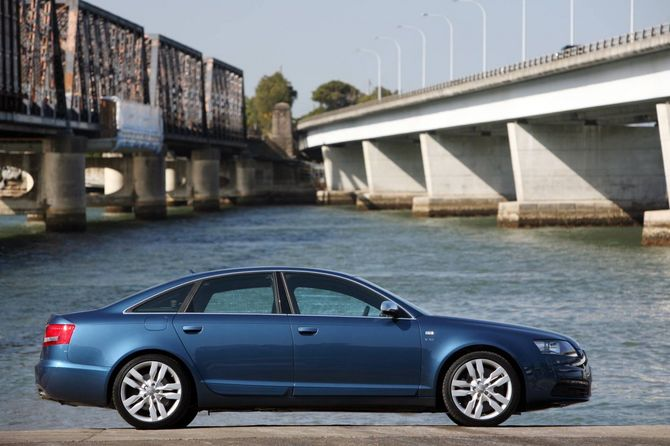 Review Audi C6 S6 2006 11