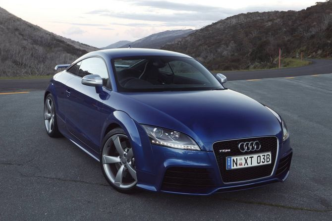 review audi 8j tt rs coupe 2009 14. Black Bedroom Furniture Sets. Home Design Ideas