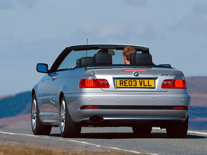 review bmw e46 3 series convertible 2000 06. Black Bedroom Furniture Sets. Home Design Ideas