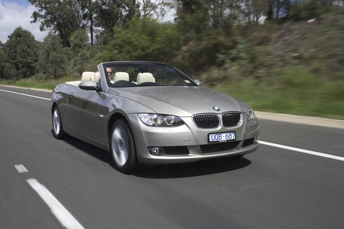 review bmw e93 i 3 series convertible 2007 10. Cars Review. Best American Auto & Cars Review