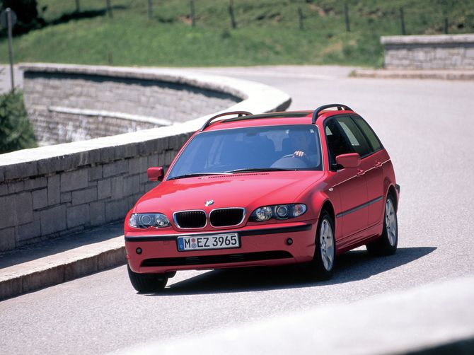2002 saw Australia get the E46 3 series wagon