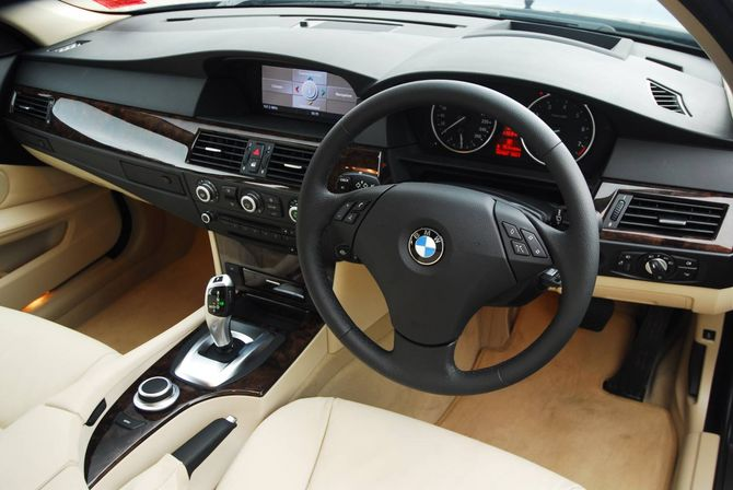 2007 bmw e60 530i sedan. Black Bedroom Furniture Sets. Home Design Ideas