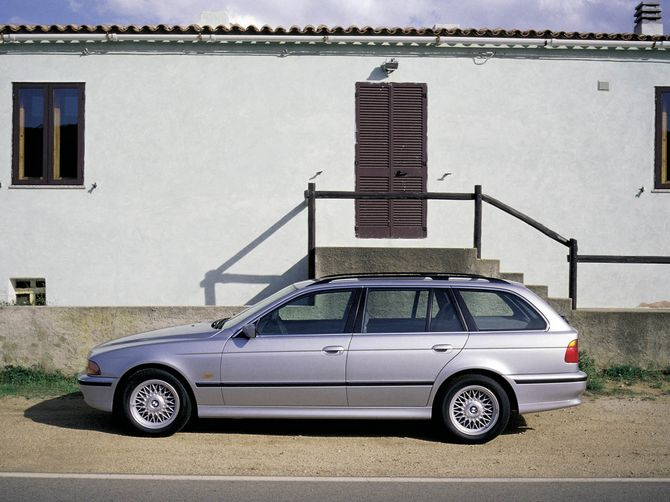 Review BMW E39 5Series Touring 199703  528i and 530i