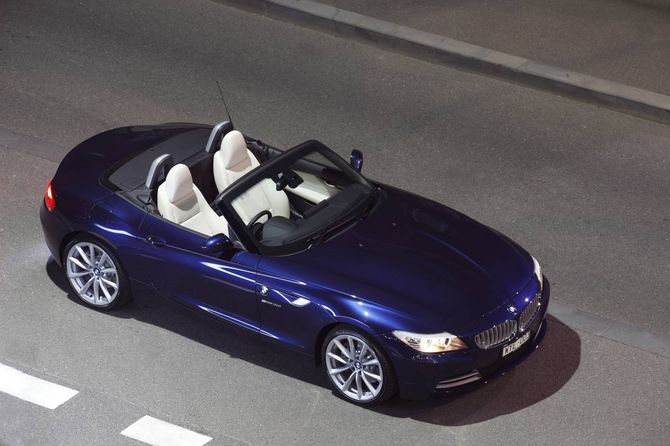 review bmw e89 z4 roadster 2009 on. Black Bedroom Furniture Sets. Home Design Ideas