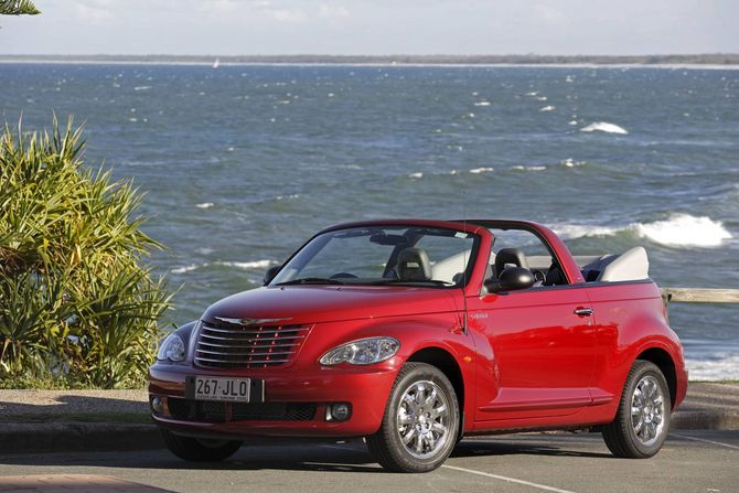 review chrysler pt cruiser cabrio 2006 08. Black Bedroom Furniture Sets. Home Design Ideas
