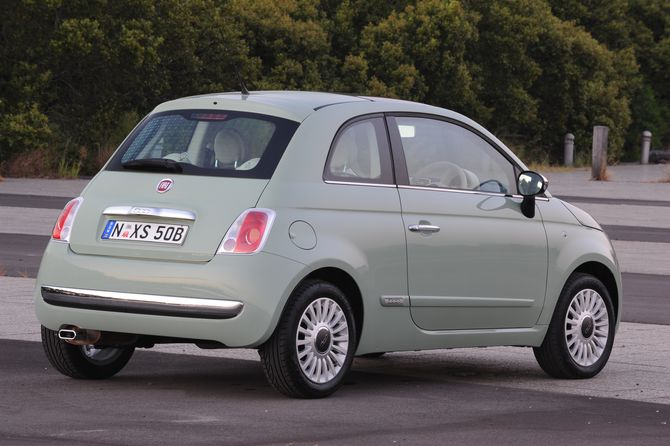 Fiat 500 Review 2008 15