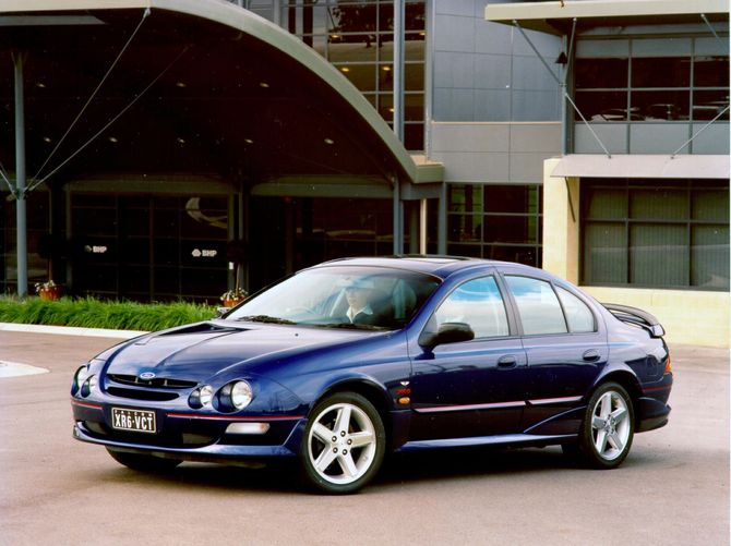 Review Ford AU Falcon 1998 02