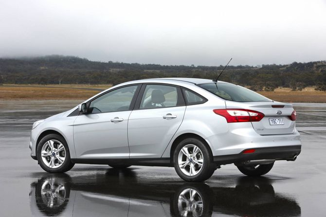 review  ford mk 3 focus  2011