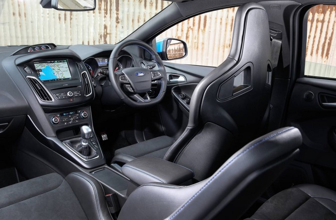 review ford focus rs 2016 on. Black Bedroom Furniture Sets. Home Design Ideas