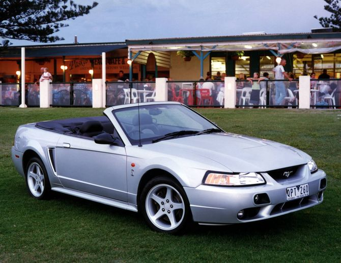 Review ford mustang 2001 02 for 2001 ford mustang convertible top motor
