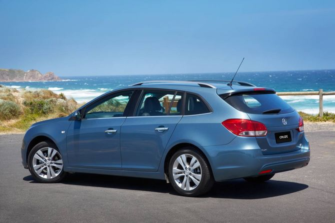 Review Holden Jh Cruze Sportwagon 2012 16