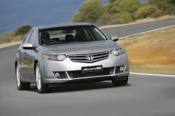 Honda CU2.I Accord Euro (2008 11)