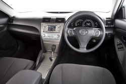 buyers guide toyota xv40 camry hybrid 2009 11. Black Bedroom Furniture Sets. Home Design Ideas
