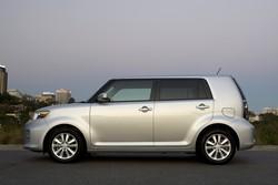 2010 Toyota Rukus: silver profile (Australia)