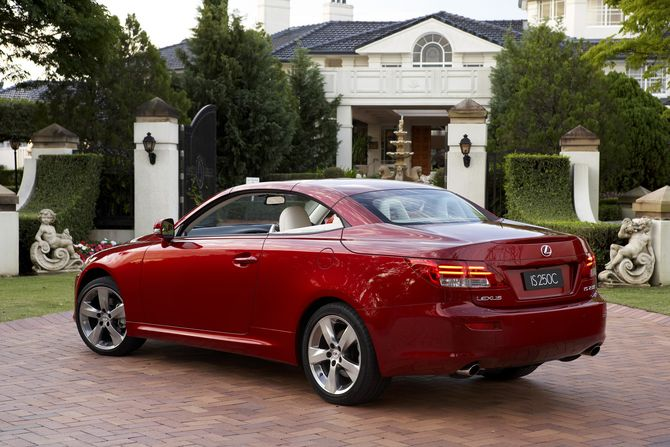 review lexus xe20 is convertible 2009 14. Black Bedroom Furniture Sets. Home Design Ideas