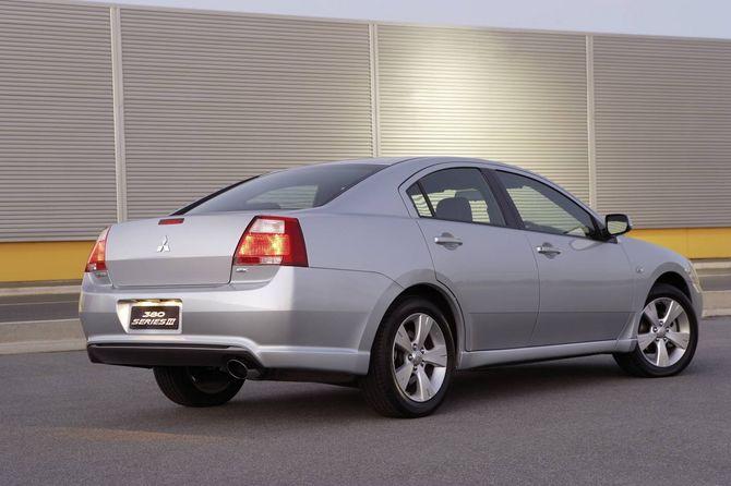 Mitsubishi 380 Review: VRX, GT, LS, SX and ES (2005-08)