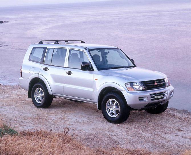 Mitsubishi Pajero Review (NM/NP: 2000-06)