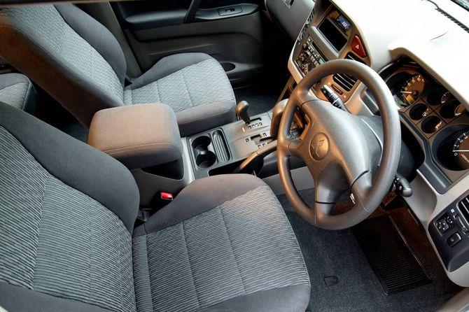 Review Mitsubishi Mk 3 Pajero 2000 06