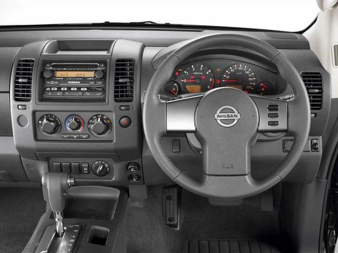 Review Nissan D40 Navara Utility 2005 14