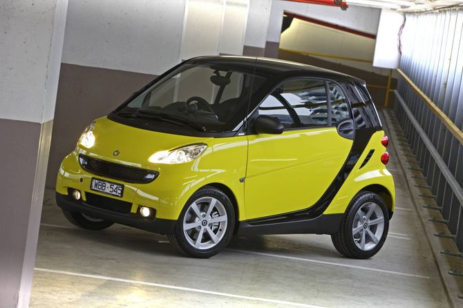 review smart c451 fortwo coupe 2008 14. Black Bedroom Furniture Sets. Home Design Ideas