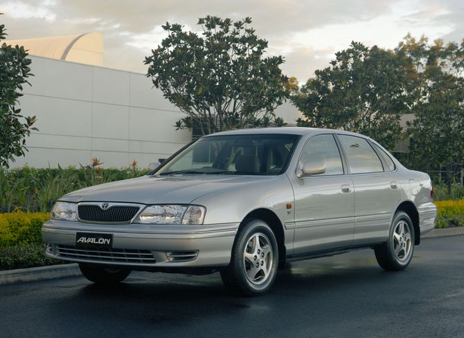 Review Toyota Xx10 Avalon 2000 05