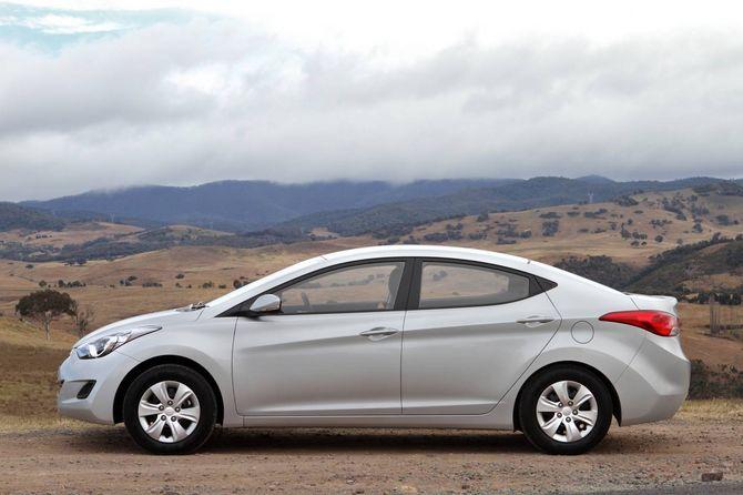 Review Hyundai Md Elantra 2011 15
