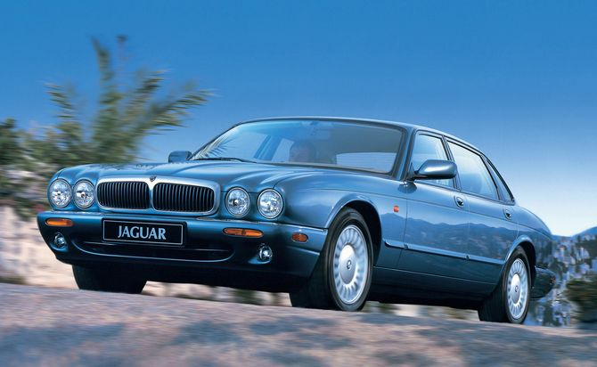 Jaguar X308 XJ8, Sovereign and XJR Review: 1997-03