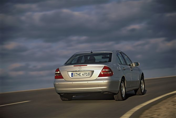 Review: Mercedes W211 E-Class Sedan (2002-09) | E280, E320, E350
