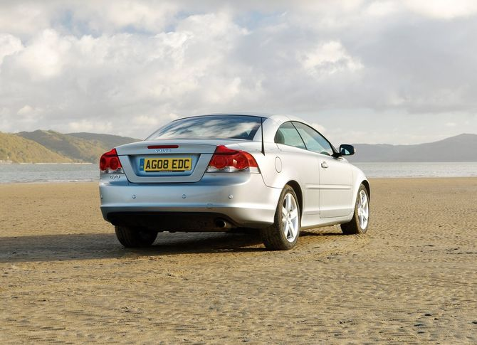 Review: Volvo Mk.2 C70 Convertible (2006-13)