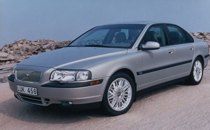 Review Volvo S80 1998 06 2 9 T6 And 2 5t