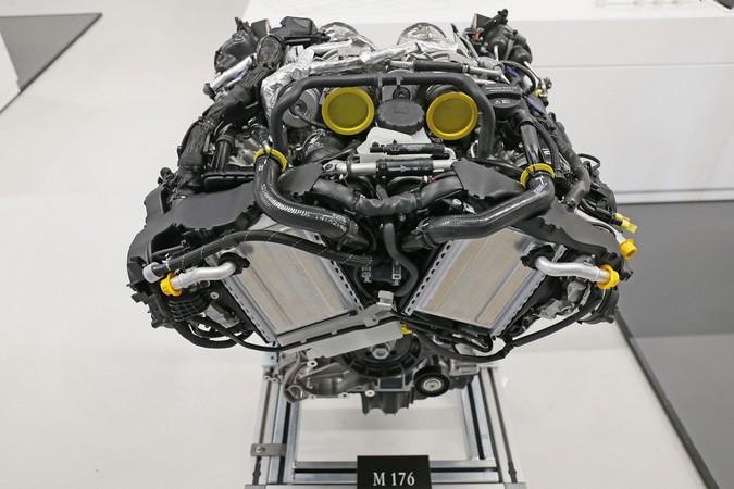 Mercedes benz m176 biturbo v8 petrol engine for Mercedes benz v8 engine