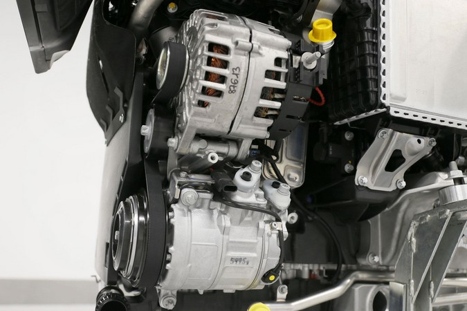 Mercedes benz om656 diesel i6 engine for Mercedes benz diesel engines