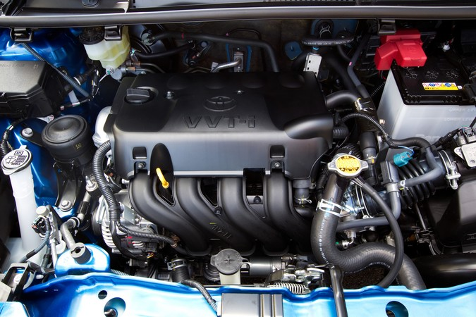 1NZ-FE Toyota engine